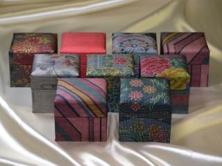 「大島紬」の和装小物箱(集合写真)