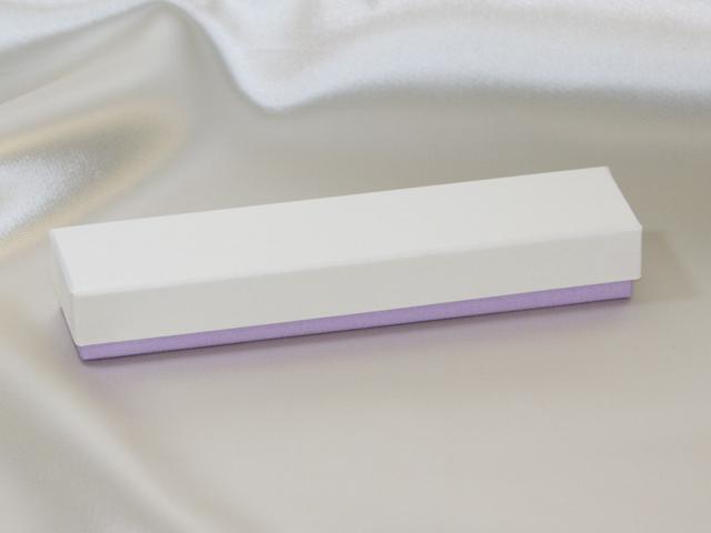 バレンタインデー用のチョコレート貼箱(細長タイプ)