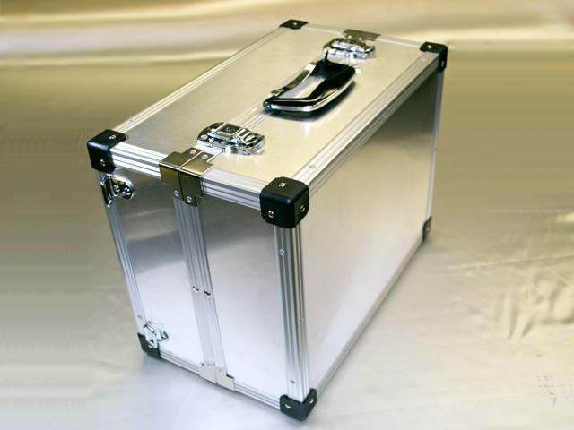 リュックサック/バックパックの精密器具モバイルケース<外観>