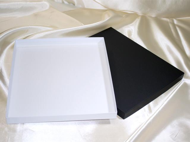 マフラー用(バティック)貼箱、紙器、紙箱(フタ:黒、身:白)