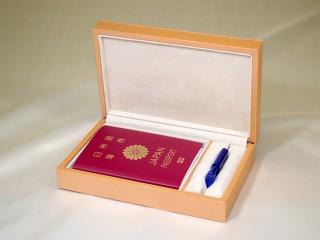 想い出のパスポート Box ~USBメモリー付 イエローブラウン~ 「第75回東京ギフトショー2013春」出展商品